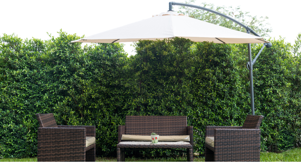 Parasol aanbiedingen, goedkope parasols en de beste kwaliteit parasols vindt u bij tuincentrum De Boet | Bestel vandaag nog online!
